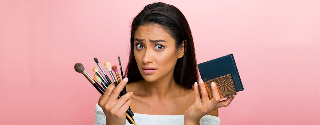 Beauty Tip: 5 Beauty Products That You Should Never Share with Your Friends!