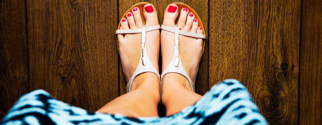 4 Styles of Summer Shoes That Look Hot Than Weather