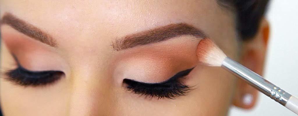 5 Eye Shadow Palettes That Work on Brown Eyes
