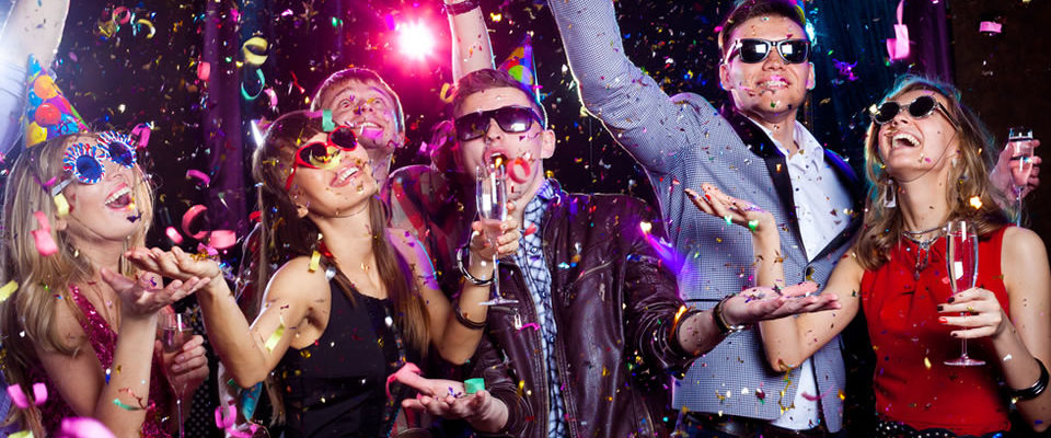 3 Ways to Celebrate New Year's Eve Party in Style