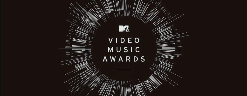 10 ลุคสุดเริ่ดจากพรมแดง MTV VMAs 2016