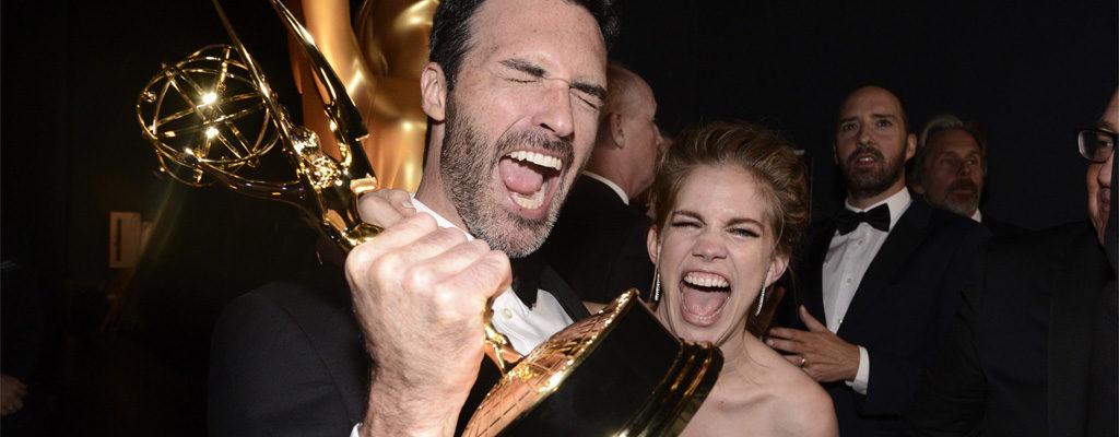 10 สุดยอดแฟชั่นยอดเยี่ยม บนพรมแดง Emmy Awards 2016