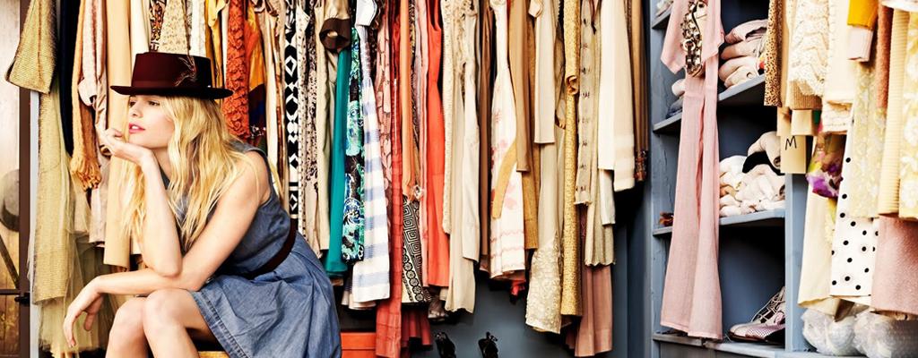 4 วิธีช่วยคุณจัดระเบียบตู้เสื้อผ้า
