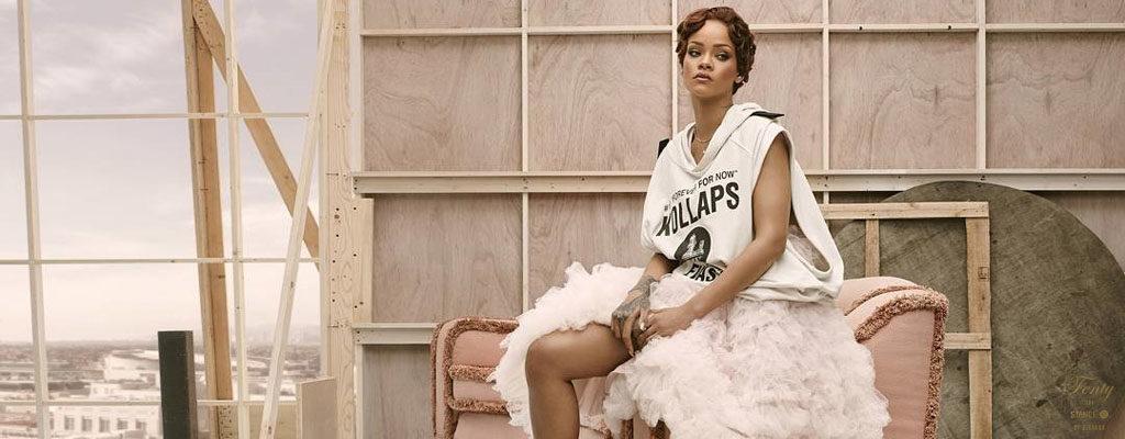 จะปังแค่ไหนเมื่อคุณแม่ Rihannaดีไซน์ถุงเท้าสุดชิคคอลเลคชั่นใหม่ล่าสุดจากIconic Lookของเธอ