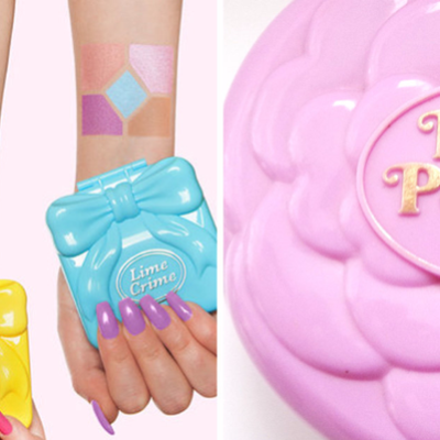 ไอเทมสุดน่าที่สาวๆต้องกรี๊ดดังๆเมื่อกระเป๋าบ้านตุ๊กตาPolly Pocketsของเล่นสุดฮิตจากยุค90'sกลายมาเป็นอายพาเลทสีสดใสชวนให้นึกถึงความหลัง